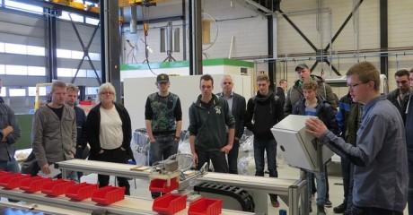 Mechatronica studenten bouwen magazijnrobot