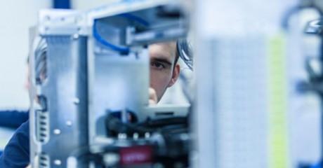 Eerste monteur elektrotechnische industriële producten en systemen | BOL en BBL | MBO opleidingen Friesland | ROC Friese Poort
