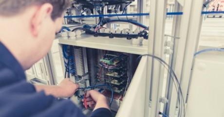 Monteur elektrotechnische Industriële producten en systemen | BOL en BBL | MBO opleidingen Friesland | ROC Friese Poort