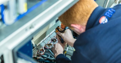 Monteur elektrotechnische installaties | BOL en BBL | MBO opleidingen Friesland | ROC Friese Poort