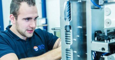 Servicemonteur Elektrotechniek | BOL en BBL | MBO opleidingen Friesland | ROC Friese Poort