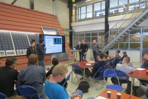 Pitch LED armaturen door studenten Middenkader Engineering ROC Friese Poort Drachten