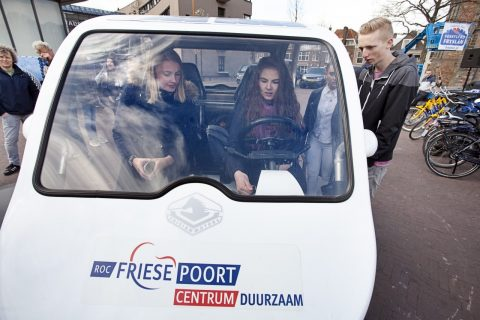 Feestelijk startsein Elfwegentocht met Frisian Eco Car
