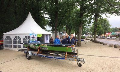 Studenten ROC Friese Poort met solarboot op Emotiondag Appelscha