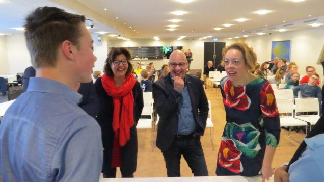Leerlingen CSG Bogerman presenteren ontwerp herdenkingsmonument Terherne