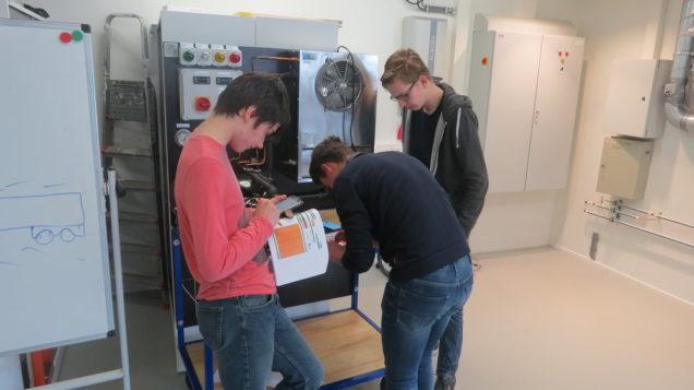 Workshop woningverduurzaming voor studenten Mechatronica Sneek in Duurzaam Doen Huis