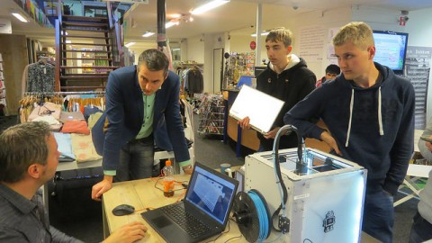 Outlet Dokkum brengt 3D printen dichtbij winkeliers en consumenten
