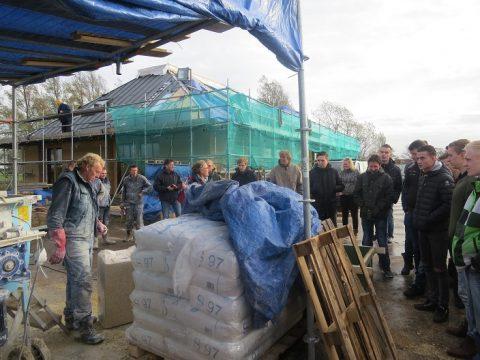 Praktijk dag kalkhennephuis voor bouwstudenten ROC Friese Poort Sneek