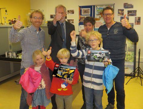 csg Ulbe van Houten zet prijswinnaar First Lego League in het zonnetje
