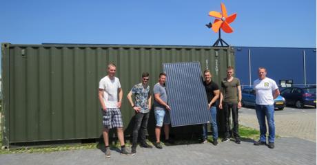 Studenten mechatronica bouwen duurzame commandopost voor de Koninklijke Marine