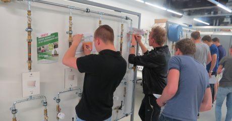 Workshop voor bouwstudenten Friesland College in Duurzaam Doen Huis