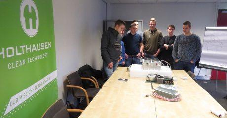 Praktijkdag innovatieproject waterstofauto bij Holthausen