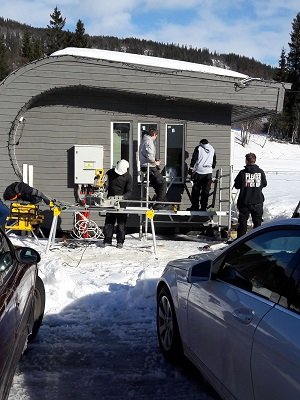 Studenten elektrotechniek leggen domotica systeem aan in Noorse ECOkubus