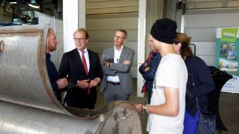 Waterstofauto en BBQ op waterstof op jaarconferentie Techniekpact