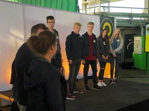 Studenten mediavormgeving pitchen eerste idee Light Challenge 2018 in VR en 3D