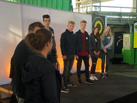 Studenten mediavormgeving pitchen eerste idee Light Challenge 2018 in VR en 3D