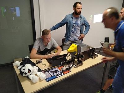 Zorgrobot Bijke fysiek uitgewerkt door studenten ROC Friese Poort
