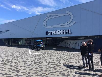 Waterstof auto bij finale zeepkistenrace in Elfstedenhal