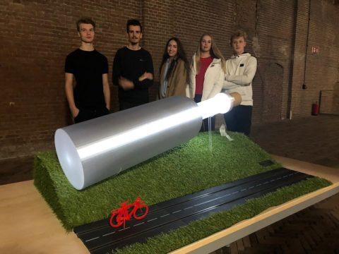 Studenten Media Vormgeving onthullen ontwerp Light Challenge voor gemeente Harlingen
