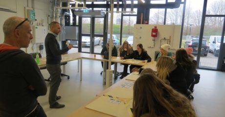 Studenten Dienstverlening in Duurzaam Doen Huis als voorbereiding op Challenge