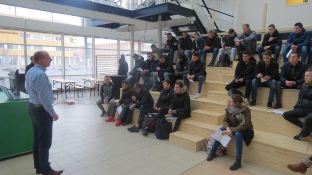 Bouwstudenten maken duurzame expeditie door Leeuwarden