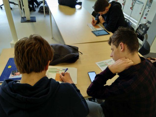 Studenten Middenkader Engineering op bezoek in Duurzaam Doen Huis