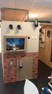 Studenten Elektro leveren domotica-maquette op tijdens Thús innovatieweken 3
