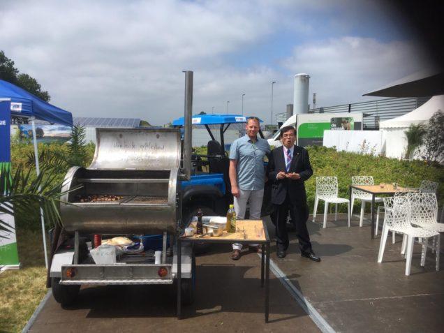 Waterstofauto ROC Friese Poort aanwezig tijdens opening waterstoffabriek Veendam