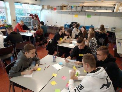 Studenten Bedrijfsadministratie Dokkum bedenken energieneutrale plannen voor ROC Friese Poort