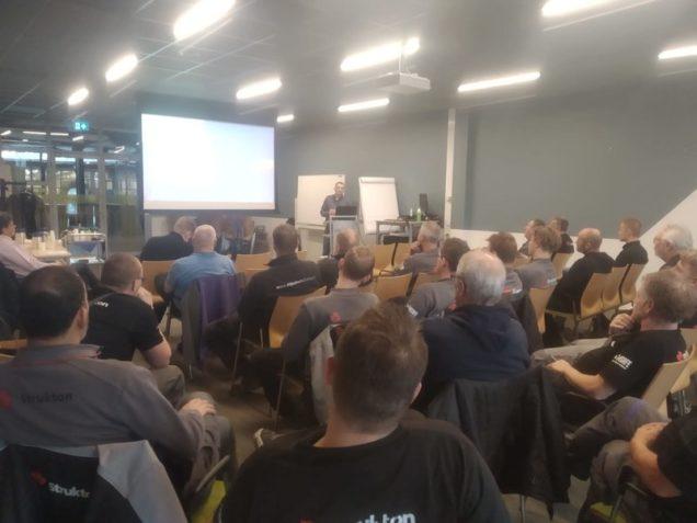 Monteurs Strukton op bezoek bij ROC Friese Poort voor periodieke bedrijfsbijeenkomst