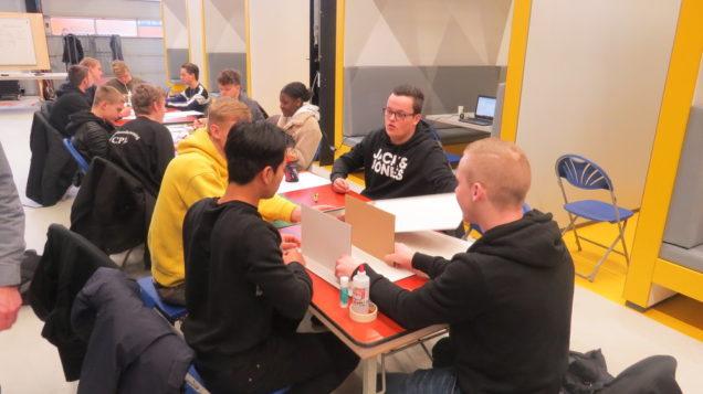 Lassers- en Constructiewerkers-in-opleiding ROC Friese Poort bedenken plannen voor CO2-neutrale onderwijsinstelling