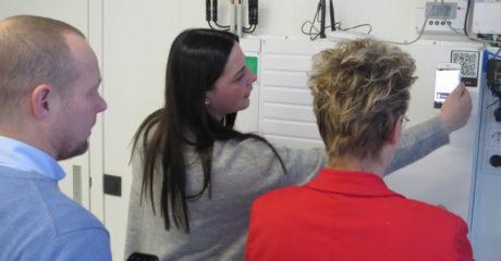 Studenten Haarverzorging volgen duurzame workshops in Duurzaam Doen Huis