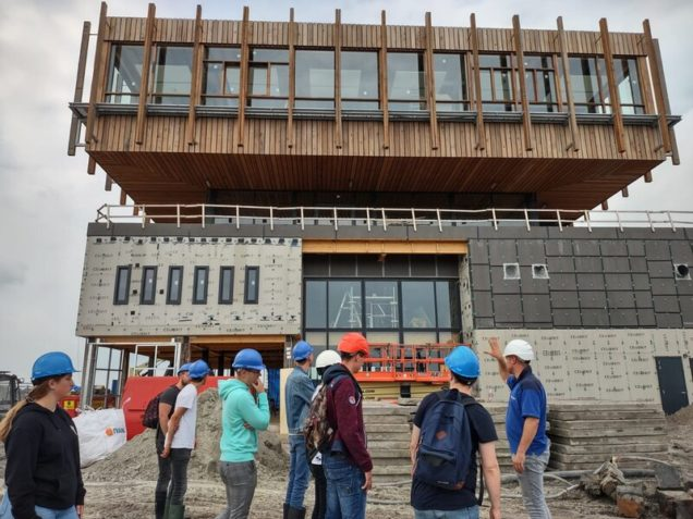 Excursie duurzame panden Leeuwarden voor studenten bouw en elektro